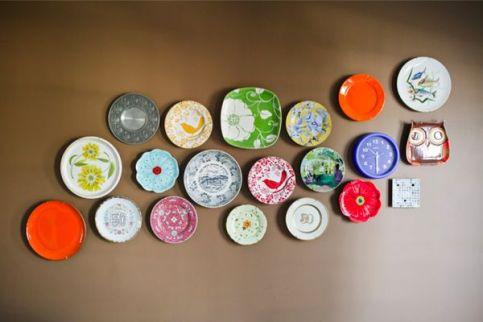 DIY-wall-art-with-Plates.jpg