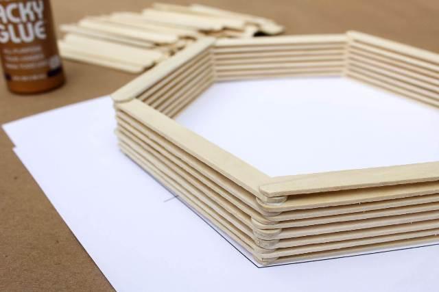 DIY-Wall-Art-Hexagon-Shelf-4
